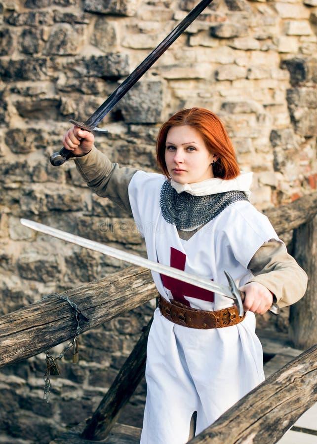 Alter weiblicher Ritter lizenzfreie stockbilder