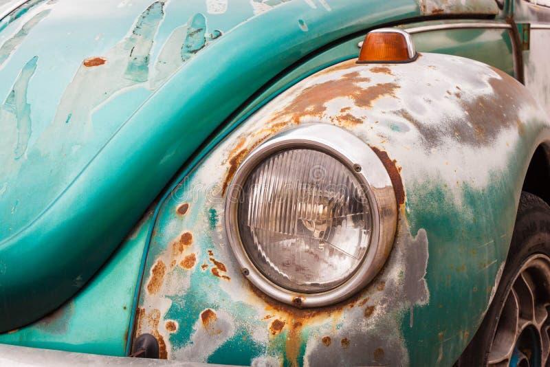 Alter Weinleseauto-Stoßdämpferabschluß oben Retro- Automobil stockfotografie