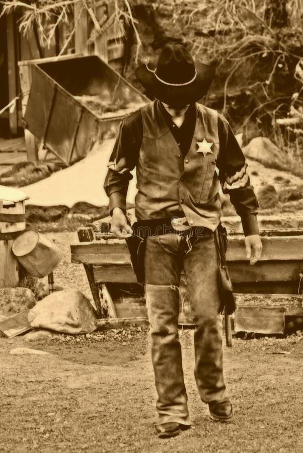 Alter Westen-Marshall geht alleine stockfotografie