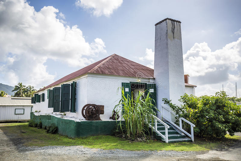 Alter Zuckerbauernhof in der Straßen-Stadt, Britische Jungferninseln stockfotografie