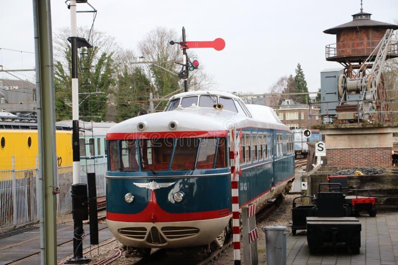 Alter Zug nannte Kameel-Kamel, das das Fahrzeug des Verwaltungsrates der niederländischen Eisenbahnen war lizenzfreie stockfotos
