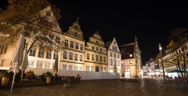 Download Altere O Markt Bielefeld Alemanha Na Noite Imagem de Stock - Imagem de quadrado, alternativa: 80102201