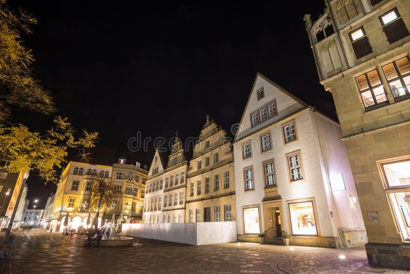 Download Altere O Markt Bielefeld Alemanha Na Noite Foto de Stock - Imagem de brilhante, quadrado: 80102820