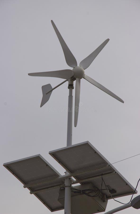 Alternatieve bronnen van elektriciteit stock afbeeldingen