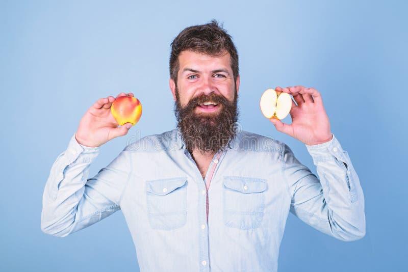Alternativa sana Manzanas en alternativa sana de ambas manos Nutrición de dieta de la vitamina de la atención sanitaria Totalment fotografía de archivo
