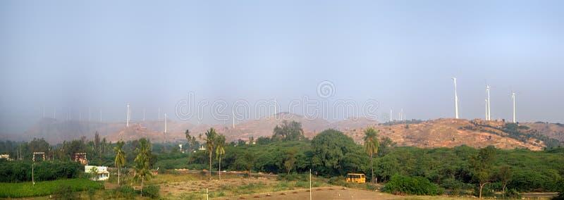 Alternativas 7 da energia Exploração agrícola de vento na província indiana de Kerala fotografia de stock royalty free