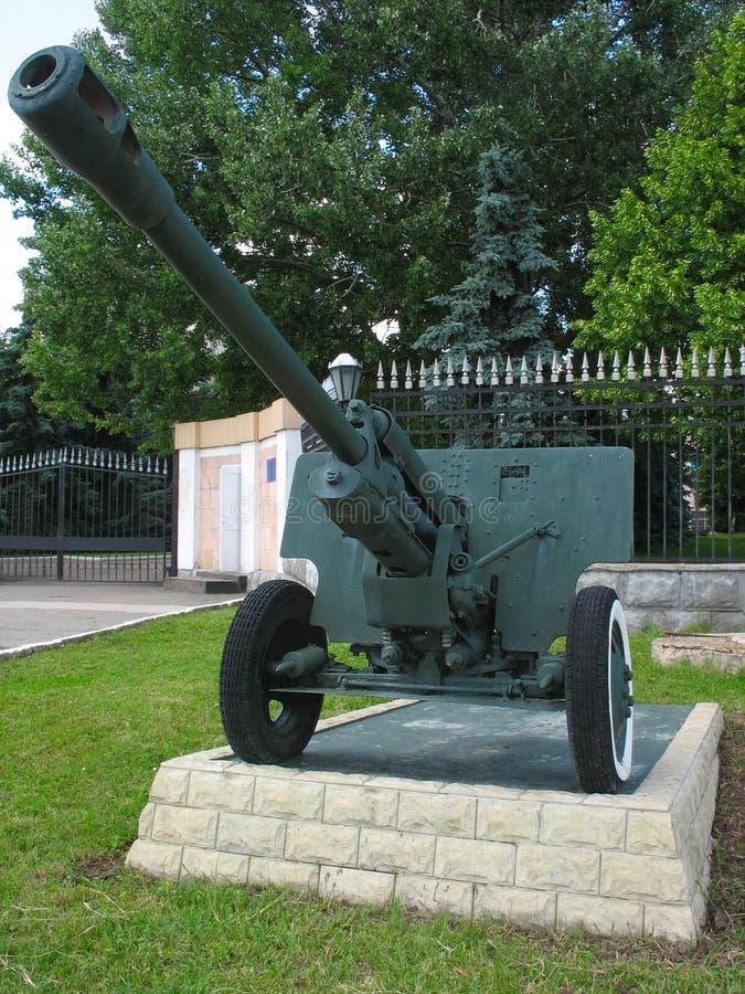 Altes anti-tank Kanonegewehrdenkmal lizenzfreie stockfotos