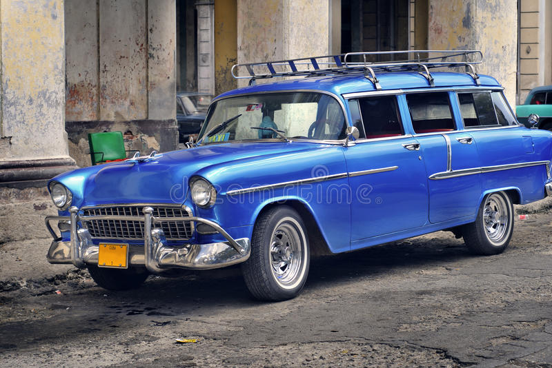 Altes Auto in der Havana-Straße stockfoto