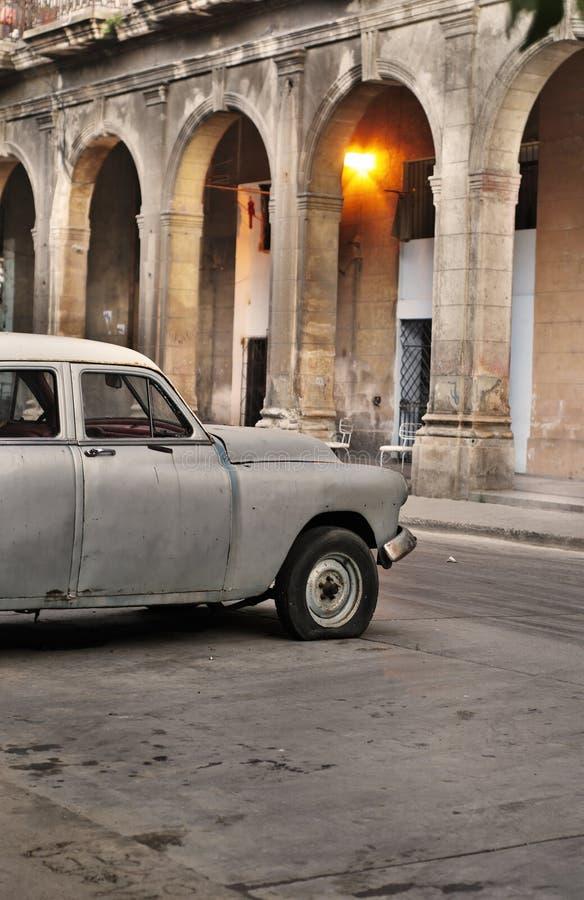 Altes Auto in der Havana-Straße stockfoto