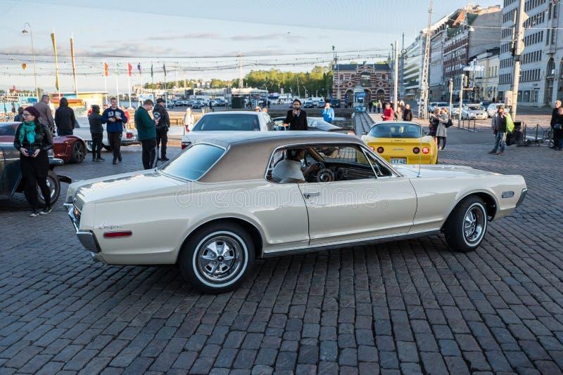 Altes Auto Mercury Cougar Helsinkis, Finnland stockbilder