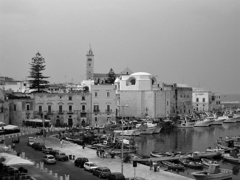 Altes Bild von Trani auf der adriatischen Küste lizenzfreies stockfoto