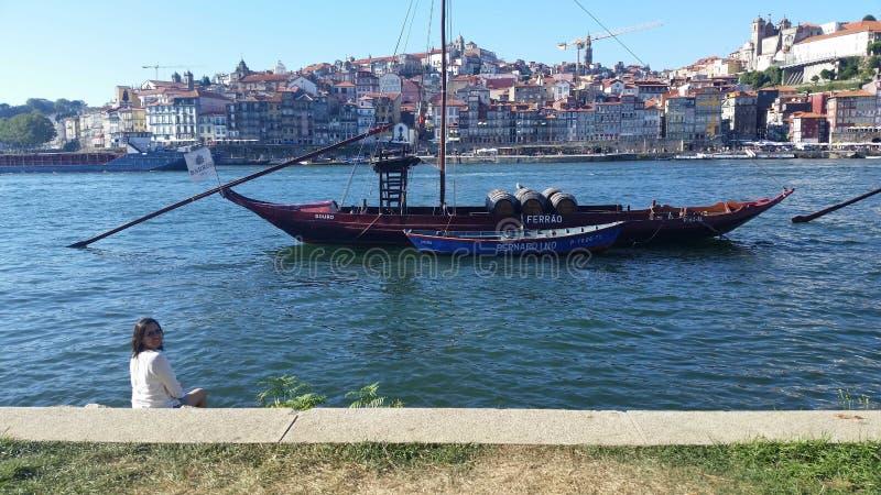 Altes Boot in Duero-Fluss stockbild