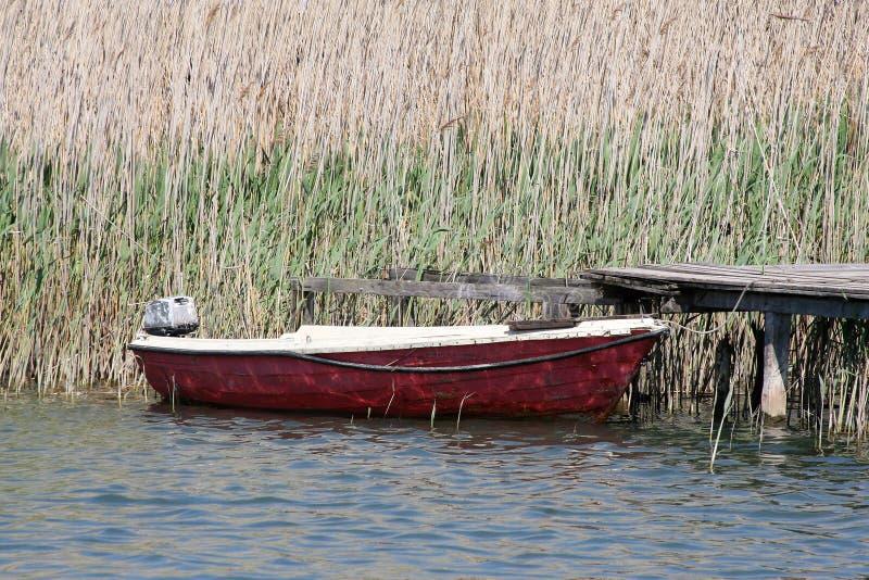 Altes Boot ist okay stockfotografie