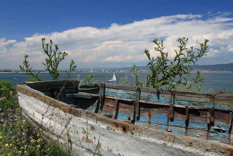 Altes bulgarisches Boot stockfoto