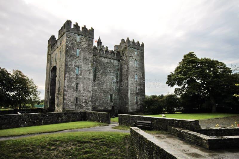 Altes Bunratty-Schloss, Irland lizenzfreies stockbild