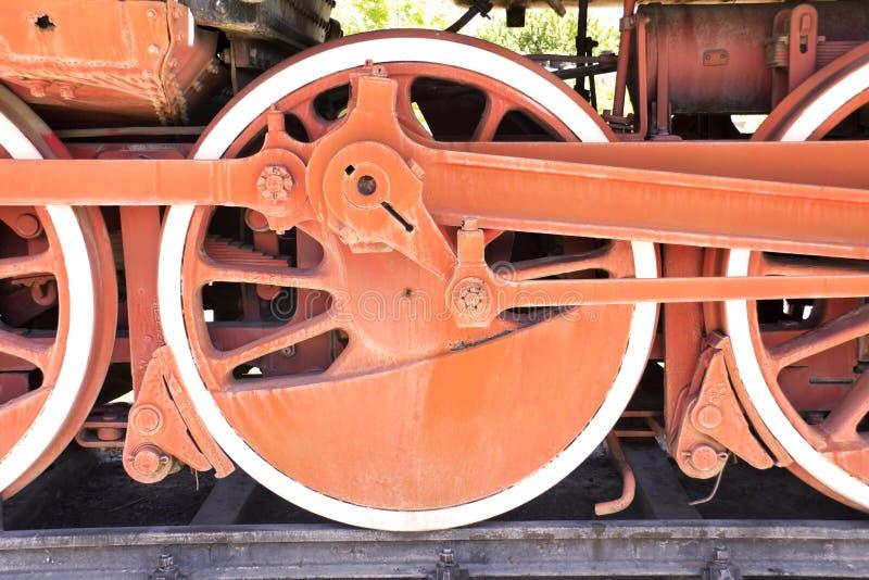 Altes Dampfzugrad lizenzfreie stockbilder