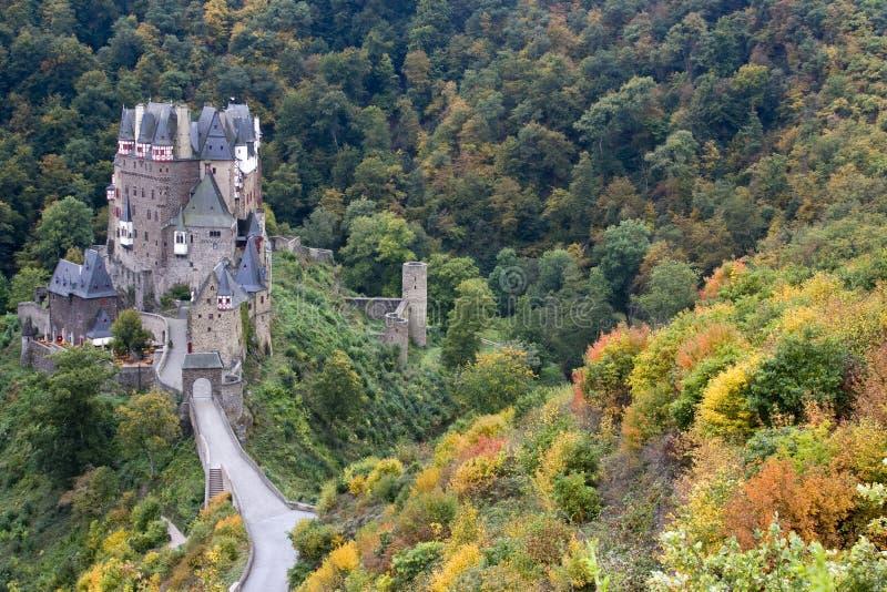Altes deutsches Schloss im Herbst lizenzfreie stockfotografie