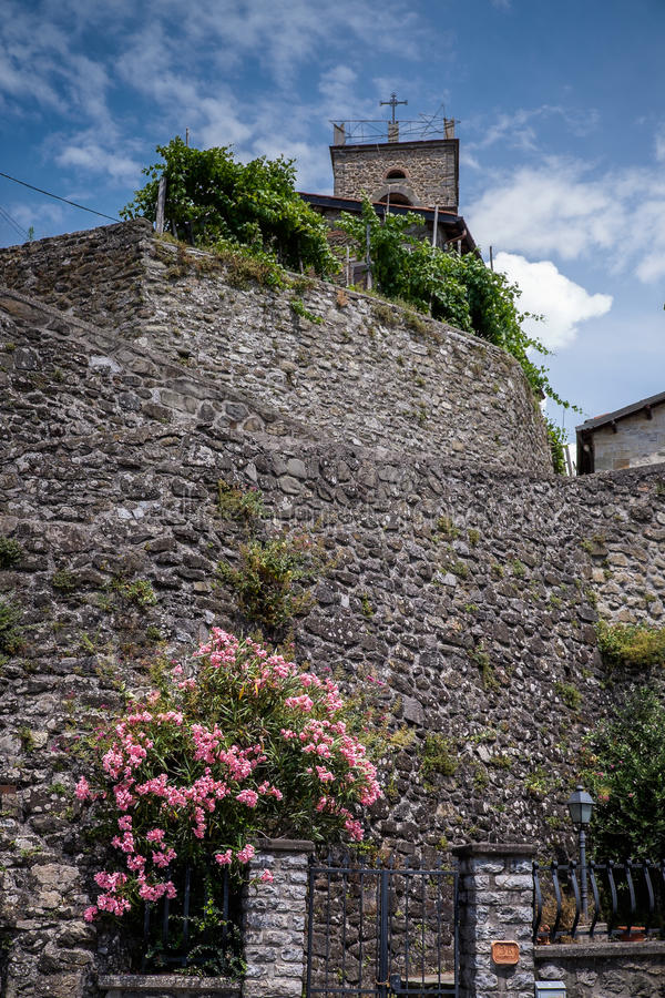 Altes Dorf des La-Landhauses, Garfagnana, Toskana, Italien stockbilder