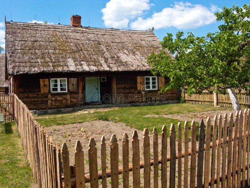 Altes Dorf in Polen stockbilder