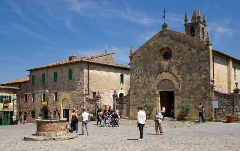 Altes Dorf von Monteriggioni stockfotos
