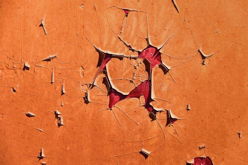 Altes Eisen mit Schälfarbe in der Sonne lizenzfreie stockfotografie