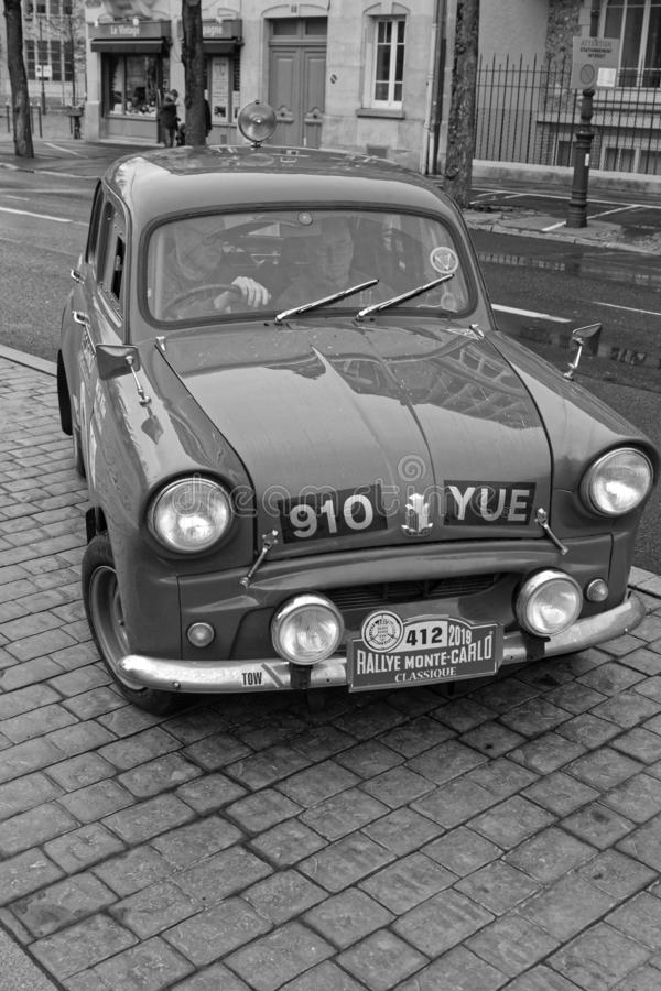 Altes englisches Auto in Reims-Schwarzem u. weiß stockbilder