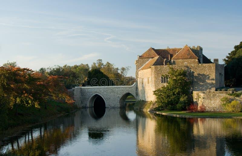Altes englisches Schloss stockbild