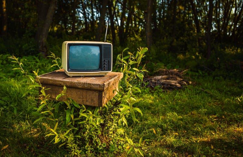 Altes Entsprechung Fernsehen stockbilder