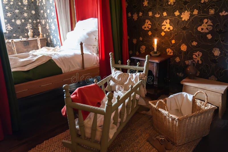 Altes Familienschlafzimmer lizenzfreie stockfotos