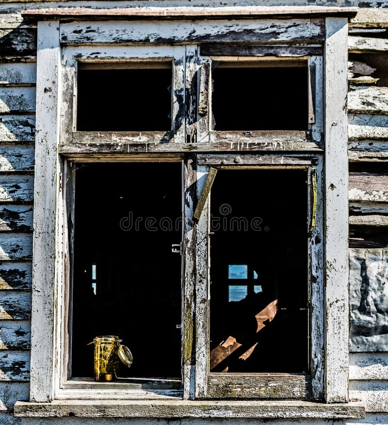 Altes Fensterfeld stockbild