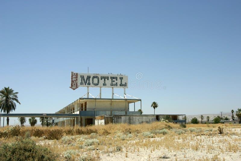 Altes freies und verlassenes Motel lizenzfreie stockfotos