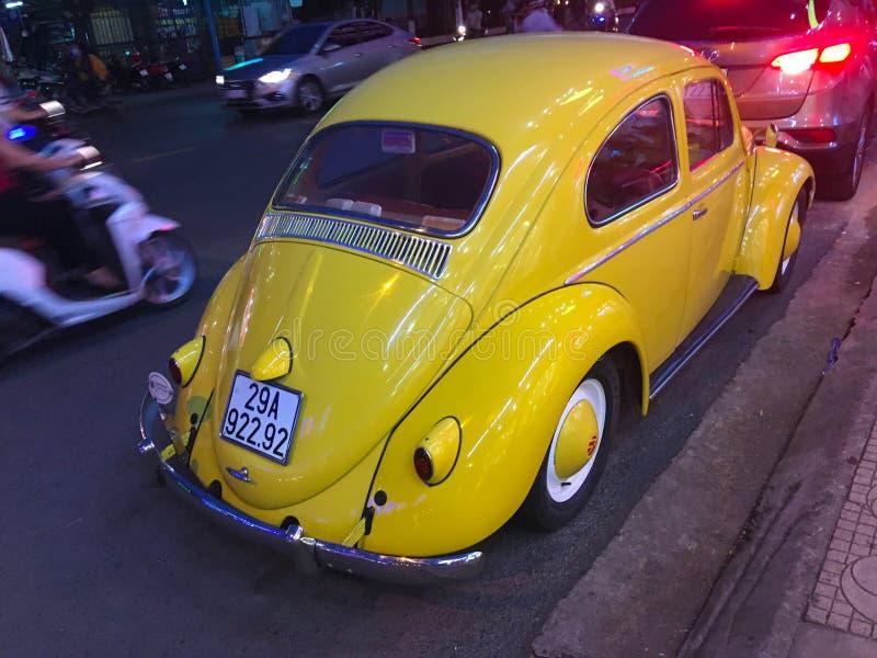 Altes gelbes VW Käfer lizenzfreie stockfotos