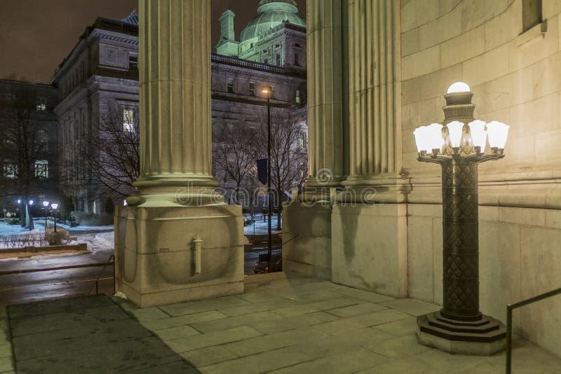 Altes Gerichtsgebäude der alten Montreal-Nachtszene lizenzfreies stockfoto