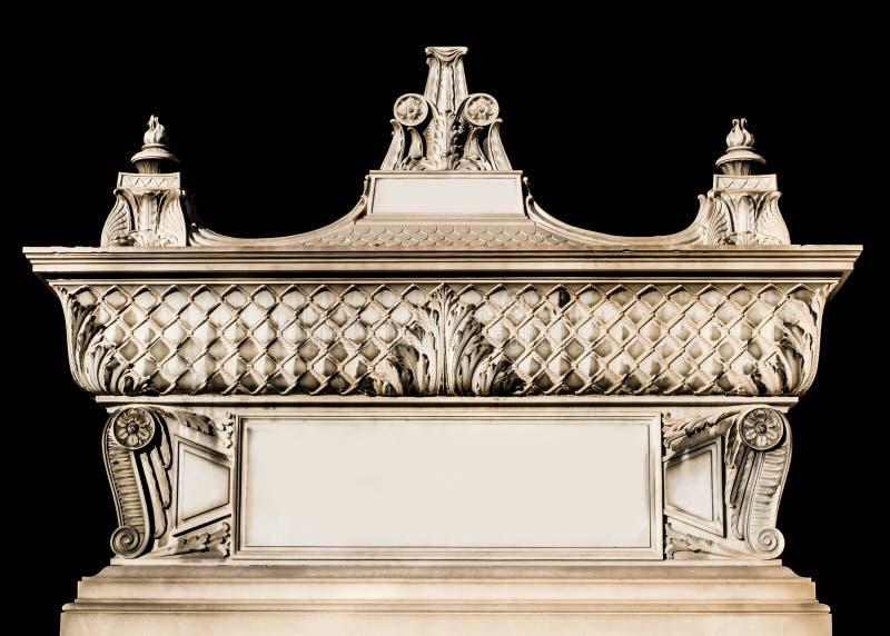 Altes Grab/Grab mit Dekorationen und Blumenmotiv lizenzfreie stockfotos