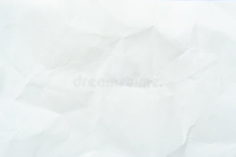 Altes graues eco zerknitterte Zeichenpapierkraftpapier-Hintergrundbeschaffenheit im weichen wei?en helle Farbkonzept f?r Seitenta lizenzfreie stockbilder