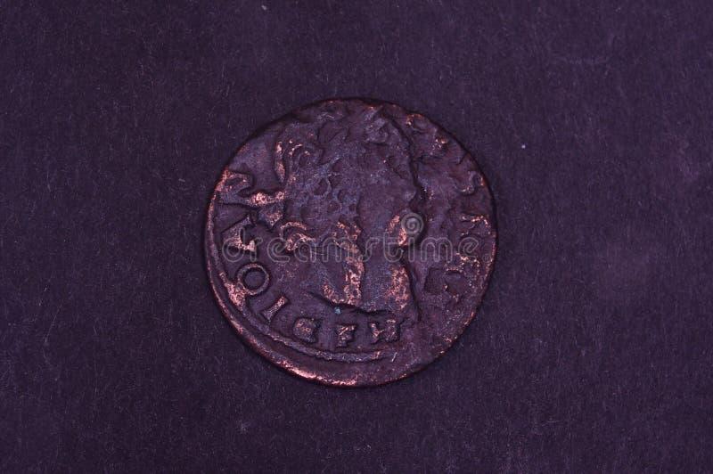 Altes Großherzogtum des Litauen-Münzenschillings auf dem schwarzen Hintergrund lizenzfreie stockfotografie