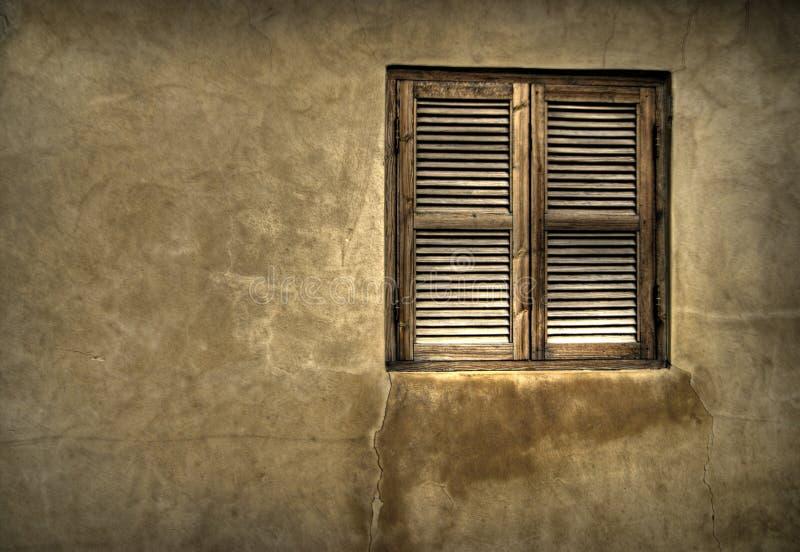 Altes hölzernes Fenster lizenzfreie stockfotografie