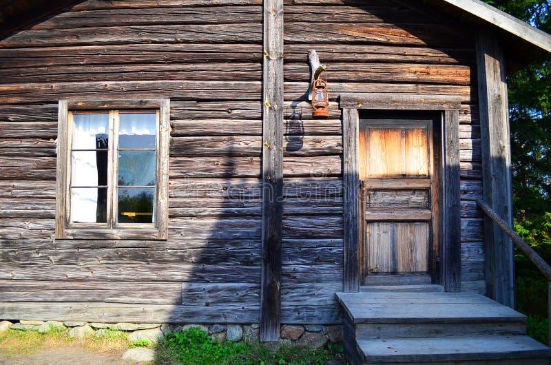 Altes hölzernes Haus stockbild
