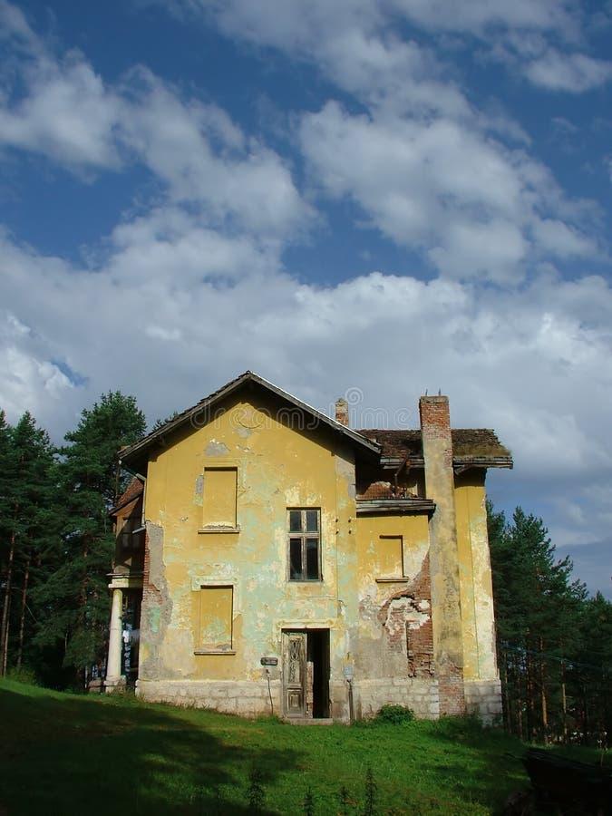 Altes Haus, gejagtes Haus stockfoto