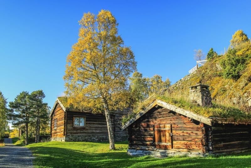 Altes Haus und Lagerhaus stockbild