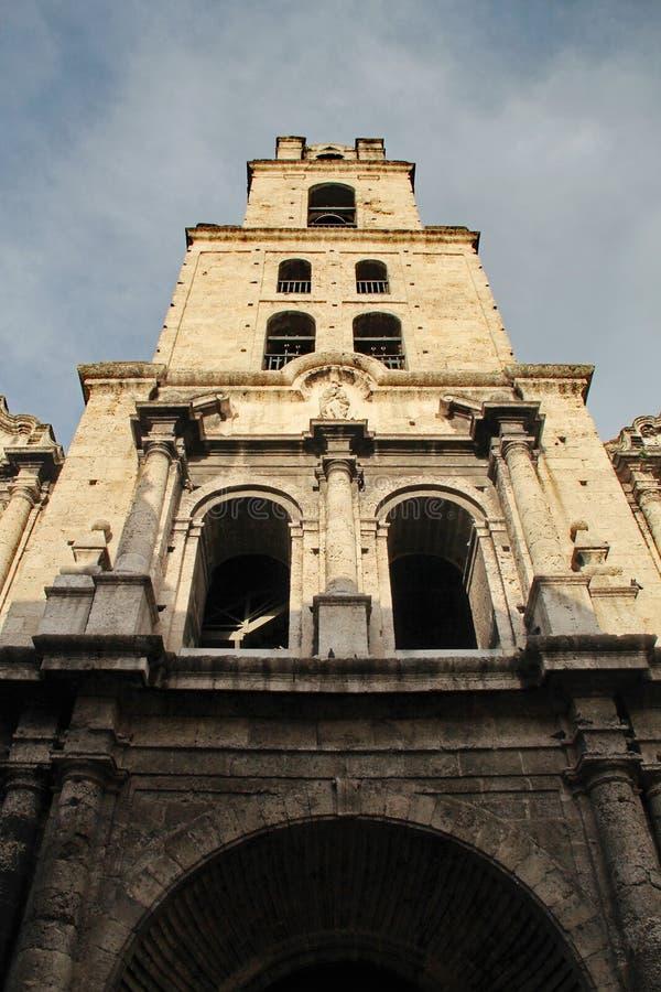 Altes Havana, Kuba: Kirche und Kloster von San Francisco de Asis lizenzfreie stockfotos