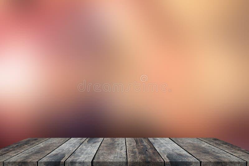 Altes Holz der Perspektive mit abstraktem Unschärfehintergrund lizenzfreie stockfotografie