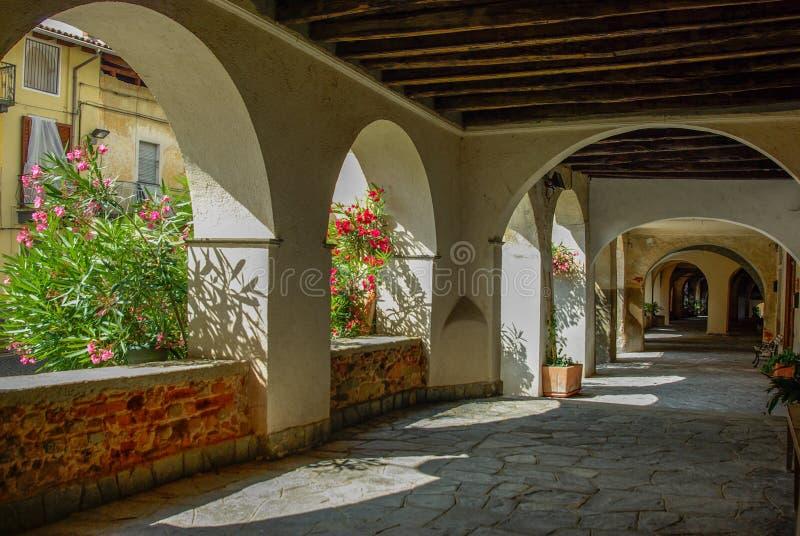 Altes italienisches Dorf stockfotografie