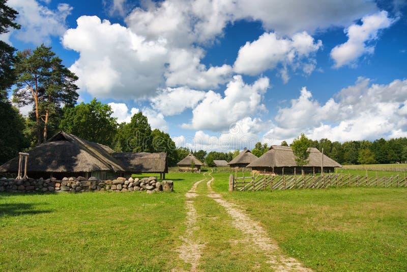 Altes litauisches Dorf stockfoto