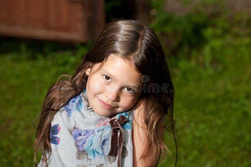 Altes Mädchen mit acht Jastimmen lizenzfreies stockbild