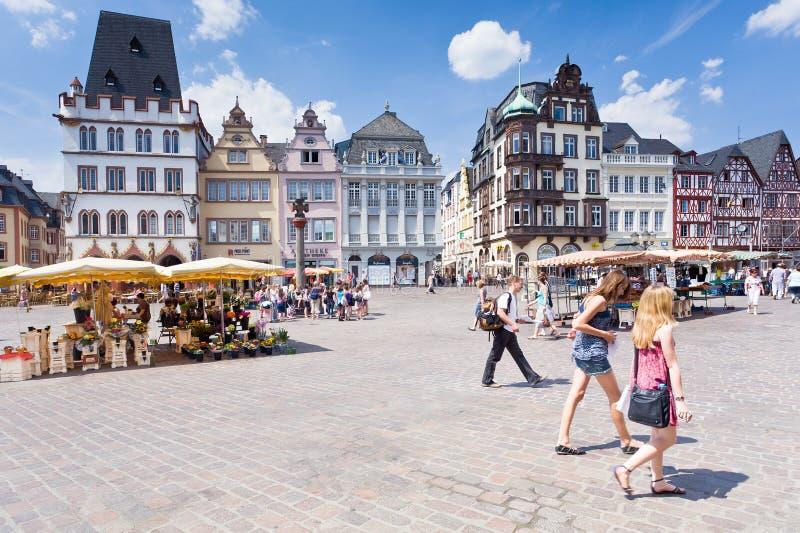 Altes Marktquadrat im Trier, Deutschland stockfotos