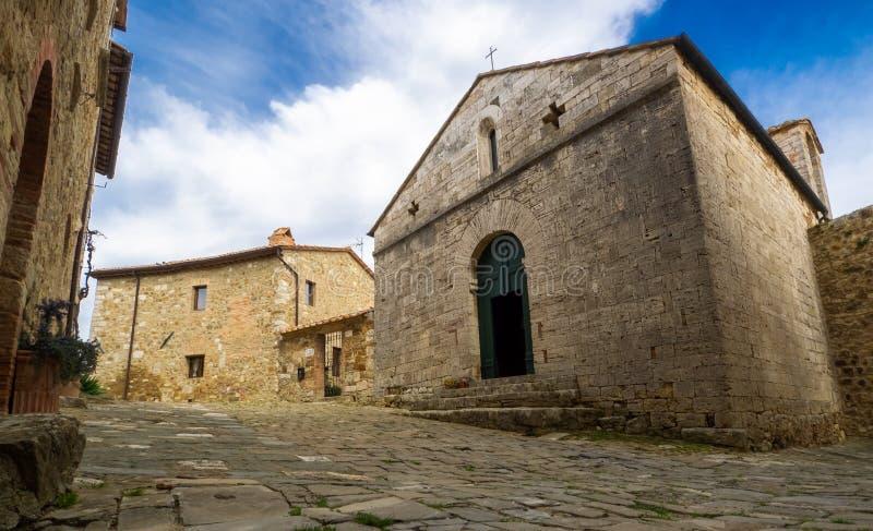 Altes mittelalterliches Dorf in Toskana lizenzfreie stockfotos