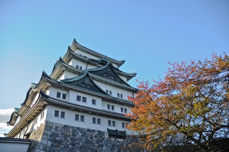 Altes Osaka-Schloss und -Ahornbäume in Autumn Kansai Japan stockbilder