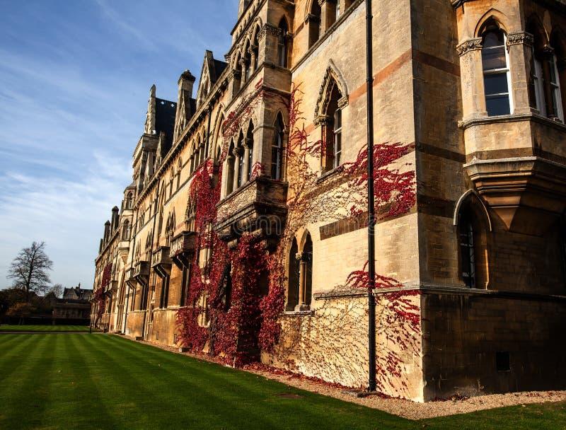 Download Altes Oxford-Gebäude stockfoto. Bild von oxford, lernen - 47100884