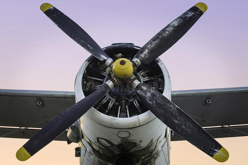 Altes Propellerflugzeug stockfotos